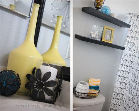 black white  yellow bathroom  grasscloth wallpaper