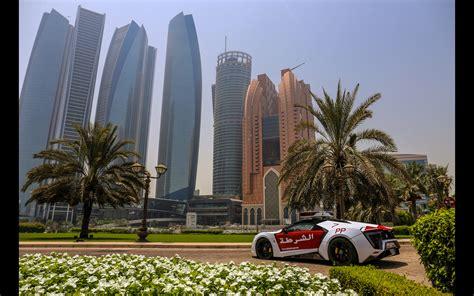 2018 W Motors Lykan Hypersport Abu Dhabi Police 3