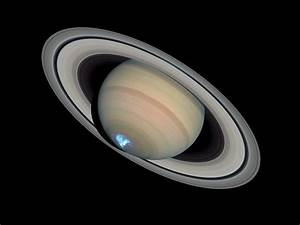 Saturn's dynamic aurorae 1 (Jan 26, 2004) | ESA/Hubble