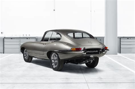 Jaguar Launches 'e-type Reborn