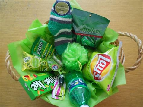 1000+ Ideas About Gift Baskets For Women On Pinterest