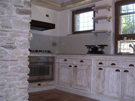 Cucine  Falegnameria Rd Arredamenti Srl Roma Armadi Su