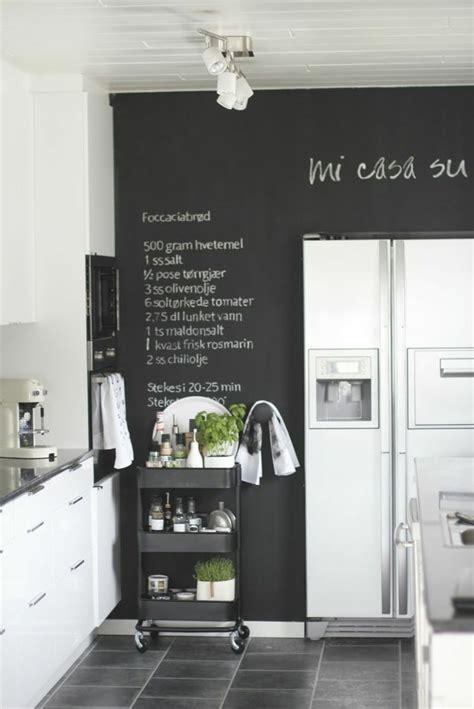 decoration murale cuisine design déco mur cuisine 50 idées pour un décor mural original