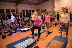 Abnehmen Mit Pilates : abnehmen mit yoga ~ Frokenaadalensverden.com Haus und Dekorationen
