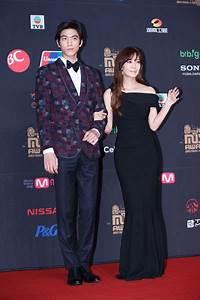 Foto Sung Joon dan Kim So Yeon di Red Carpet MAMA 2013 ...