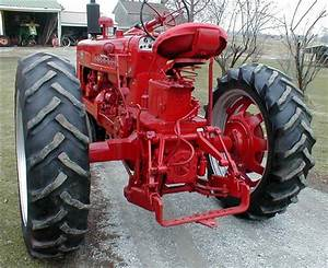 Classic Vintage 1955 Farmall 400 Tractor With Power