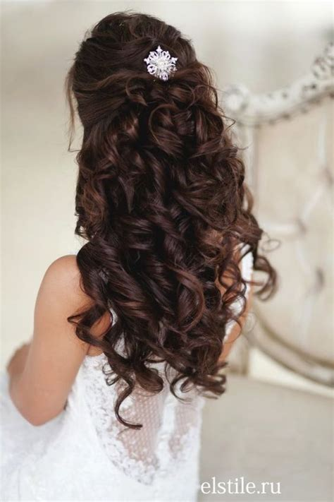 images  quinceanera hairstyles  pinterest