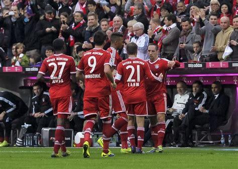 Match highlights the highlights from the bundesliga match between fc bayern and fc augsburg. Augsburg - Bayern Münih maçını canlı izle, canlı takip et. Maç hangi kanalda? TRT - Almanya Ligi ...