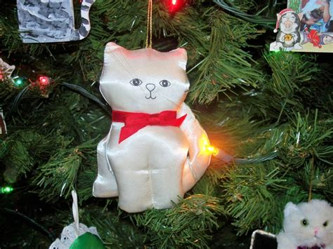 1000 images about fancy feast christmas cat ornaments on