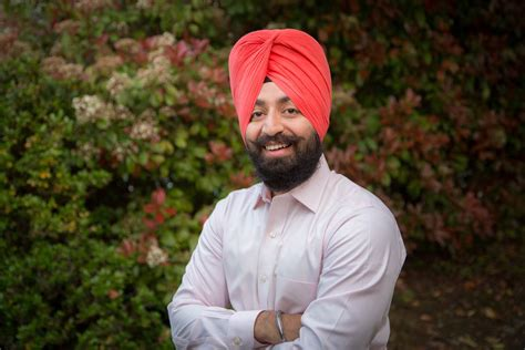 This website was made for the education of the people who wish to learn about the religion of sikhism. Three Sikh-American Soldiers File New Lawsuit Against U.S ...