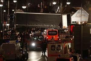 Design Attack Berlin : us condemns apparent 39 terrorist attack 39 in berlin government economy the business times ~ Orissabook.com Haus und Dekorationen