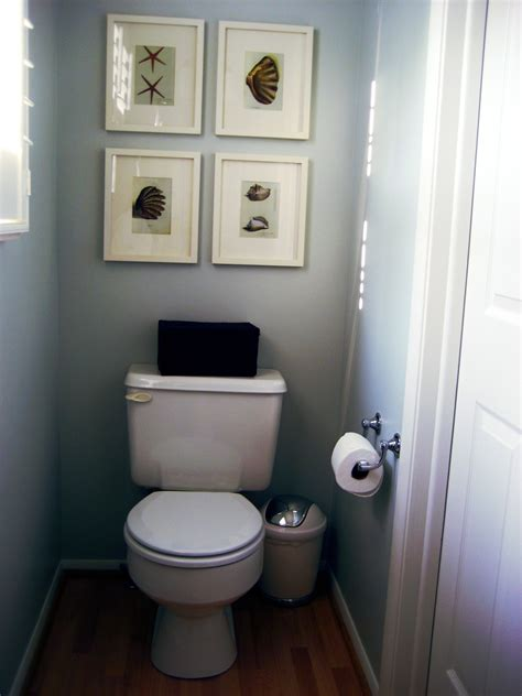 minimalist bath ideas for guest with blue painted wall