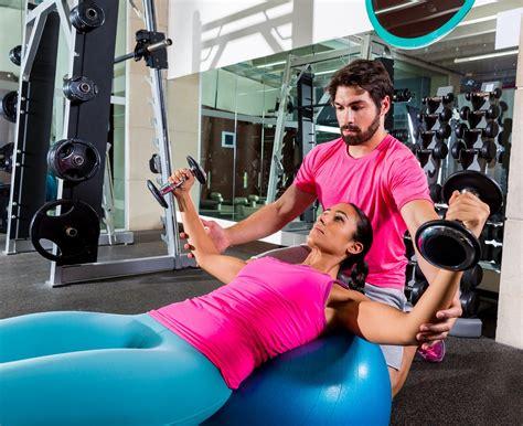 WatchFit - Yoga vs Weight Training: An Expert Analysis