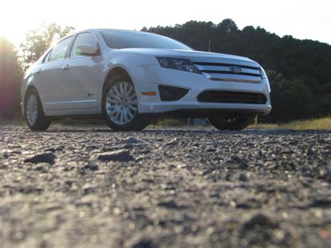 2010 Gas Mileage Ratings Released, Hybrids Take Top Slots