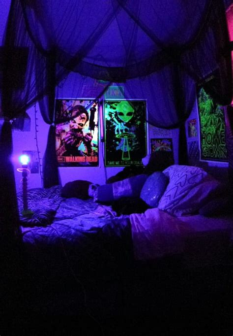 """welcome To The Stoner Cave""  Diy Room Stuff Pinterest"