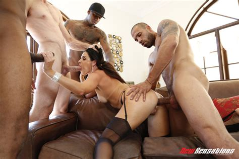 Gorgeous India Summer Enjoys A Dp And Spit Roast In