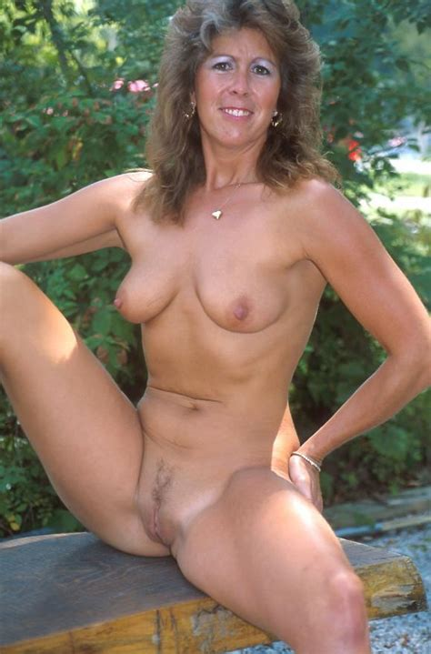 In Gallery Mature Milf Posing Nude On High Heels Outdoor Picture Uploaded By