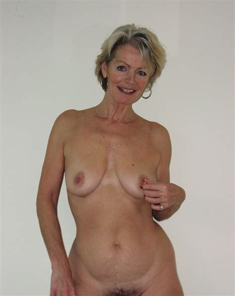 017 In Gallery Justine Classy Mature Continued