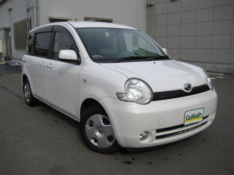 Review Toyota Sienta by 2004 Toyota Sienta Review