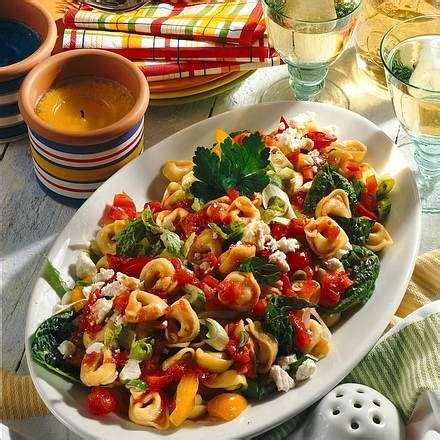 tortellini salat mit schafskaese rezept lecker