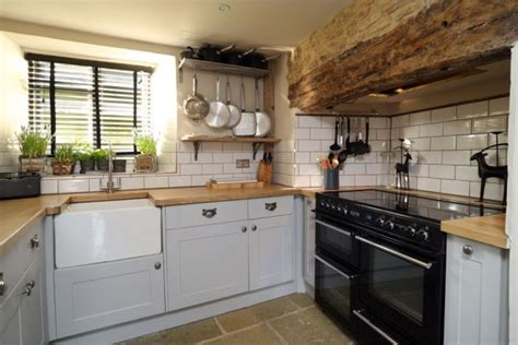 The + Best English Cottage Kitchens Ideas On Pinterest