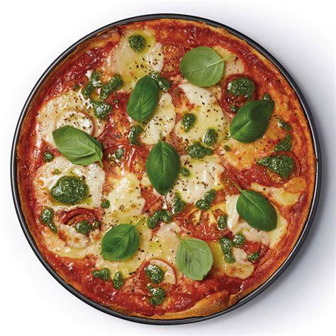 bespoke home master class crusty bake  stick pizza tray cm