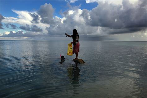 sinking islands in the south pacific kiribati climate change relocation refugee crisis sinking