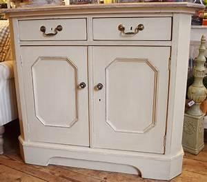 Sideboard Retro Look : vintage painted sideboard in vintage vintage style ~ Markanthonyermac.com Haus und Dekorationen