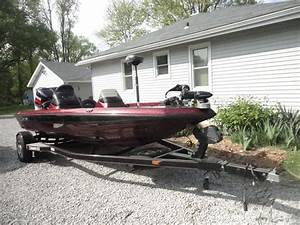 Champion Boats 2003 For Sale For  19 500