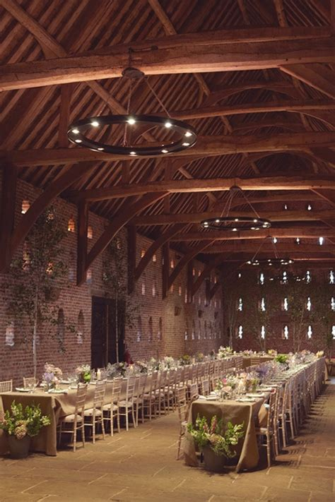 Schuur Te Huur Voor Feest by Picture Of Intimate And Lovely Inside Barn Wedding