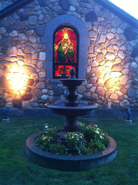 foto de Enders Island Catholic church Island Fountain