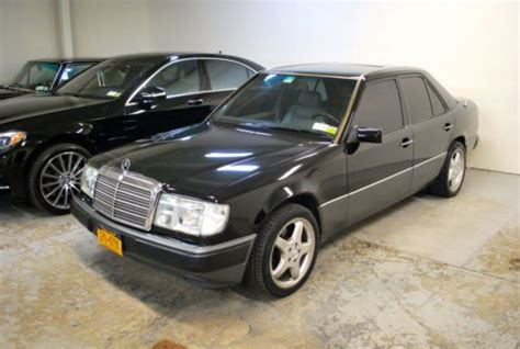find   mercedes benz    excellent condition      astoria