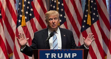 trump donald evangelical fitsnews guy leader god holding flag hands