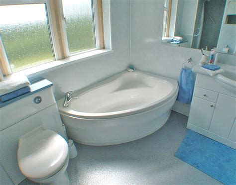 Modern Small Corner Bathtub Sizes  Bathtub  Small Corner