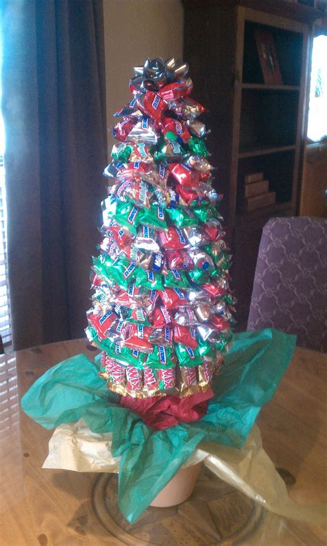 how to do a christmas candy sunday centerpiece lori s tree crafts trees and craft