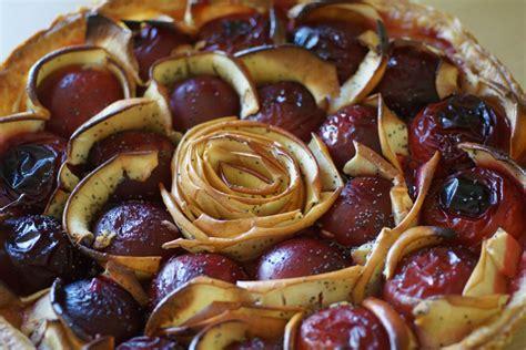 Tarte aux Prunes Pommes Fleur d oranger Miel et Pavot