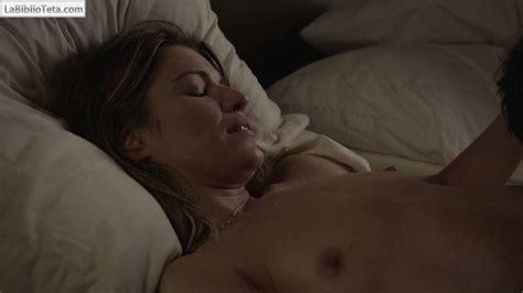 Hayley Atwell Desnuda En Los Pilares De La Tierra La Biblioteta