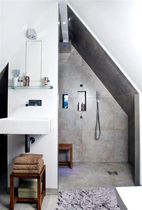 Kleines Badezimmer In Dachschräge by Shower In The Attic Interior Design Ideas Ofdesign