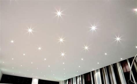 soffitto stellato soffitti decorati 10 idee d effetto dal legno ai led per