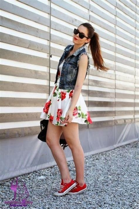 maxi dres and blazer what to wear with converse sneakers 2018 fashiongum