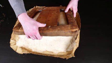comment rehausser une chaise comment rénover une chaise en bois avec rembourrages minutefacile com