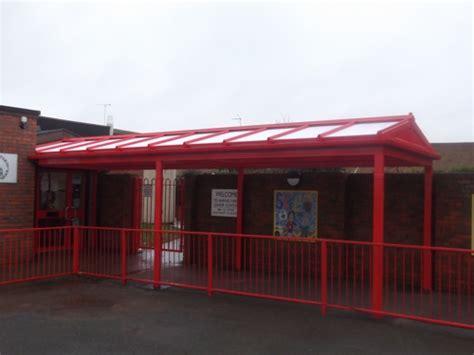 Barnes Farm Junior School Unveils All New Walkway