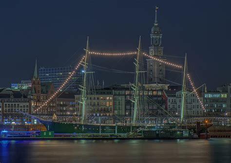 Lichterkette Mit Fotos by Mit Lichterkette Foto Bild Nachts Hamburg Hafen