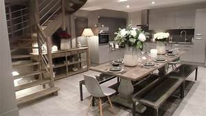 La cuisine salle a manger for Idee deco cuisine avec meuble salle a manger chene blanchi