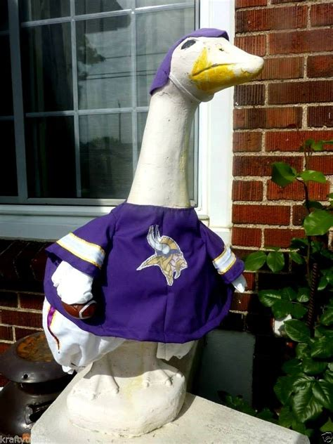 goose clothes lawn minnesota vikings football fits cement