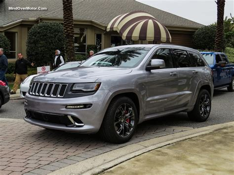2016 silver jeep grand cherokee 2016 jeep grand cherokee srt silver 200 interior and
