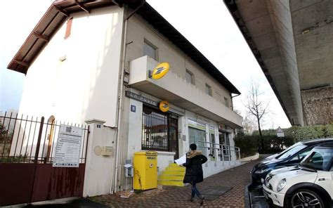 bureau de poste la rochelle biarritz le bureau de poste de la négresse en travaux