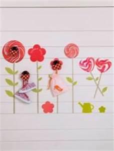 idees deco et stickers chambre d39enfant decorer les murs With déco chambre bébé pas cher avec fleur sechees