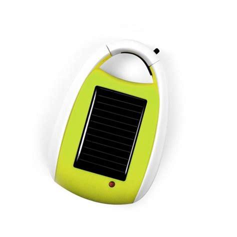 le de bureau solaire le petit chargeur solaire pour téléphone s accroche à vous