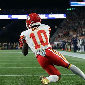 Patriots Ban Fan Who Threw Beer on Tyreek Hill, Give ...